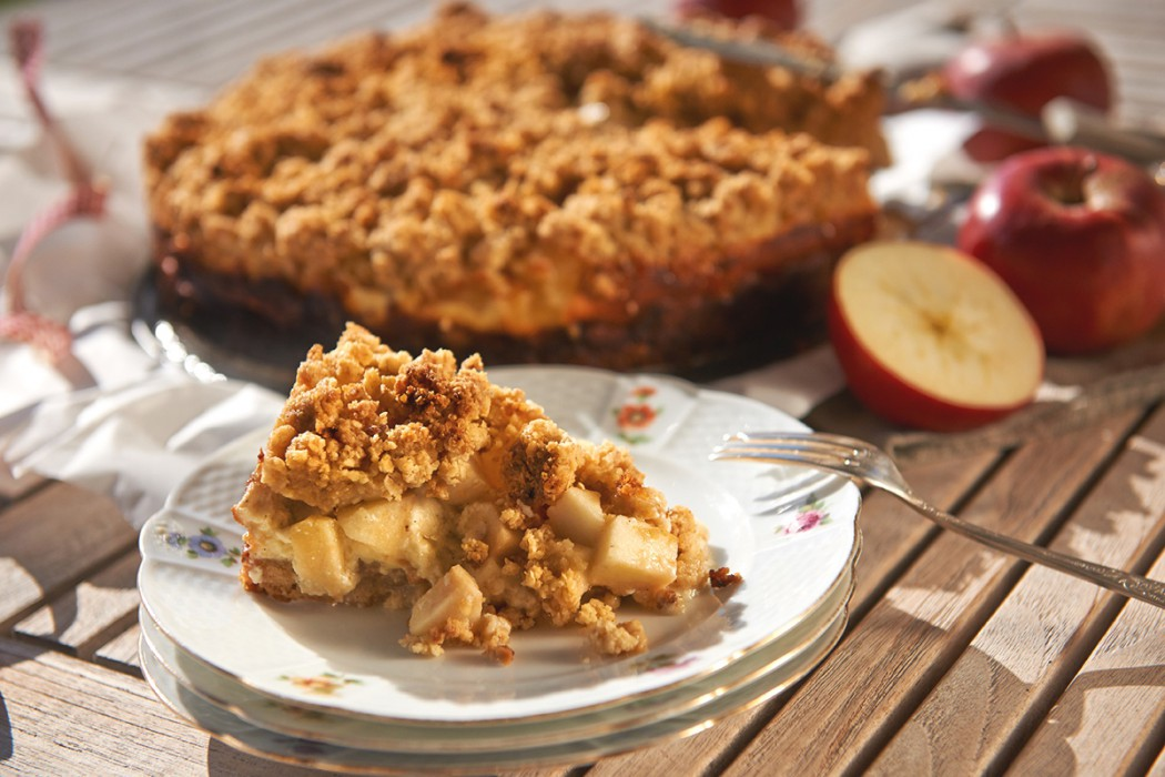 Apple-Crumble-Cake Foto von Maike Helbig | MyOtherStories.de