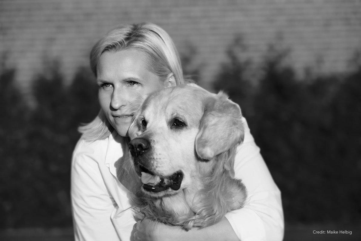 Bettina mit Hund |MyOtherStories.com