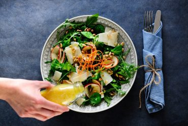 Salat mit Apfel, Parmesan & Pinienkernen Foto Maike Helbig |MyOtherStories.de
