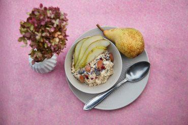 Birnen-Porridge final Foto Maike Helbig / www.myotherstories.de