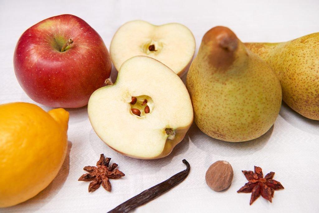 Süßkartoffelpuffer mit Apfel-Birnen-Kokon-Mus Foto: Maike Helbig / www.myotherstories.de