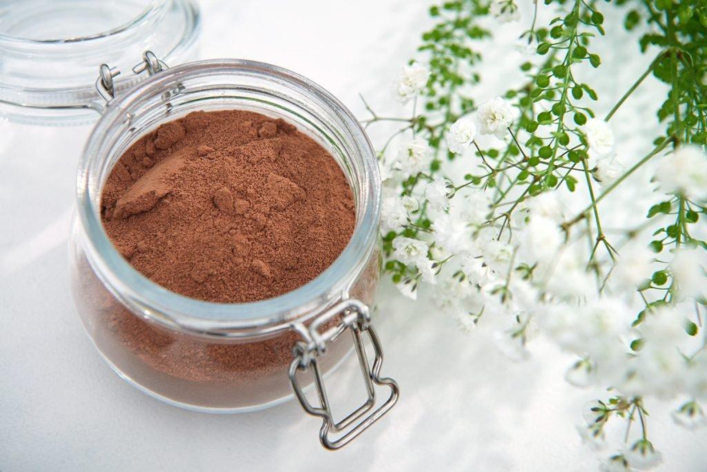 Schokoladenpulver-fuer-Mousse-au-Chocolat-Gesichtsmaske-Foto-Maike Helbig-myotherstories.de