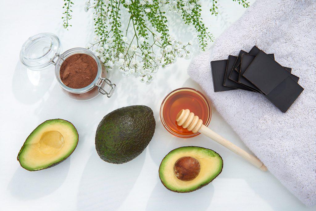 Zutaten-fuer-Mousse-au-Chocolat-Gesichtsmaske-Foto: Maike Helbig-myotherstories.de