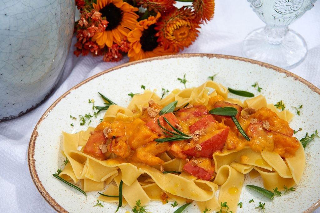 pasta-mit-kuerbis-und-brauner-butter-Foto: Maike Helbig-fuer-www.myotherstories.de