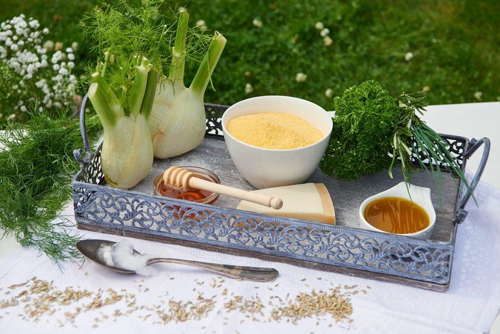 zutaten-fuer-karamellisierter-fenchel-auf-kräuter-polenta-Foto: Maike Helbig-fuer-www.myotherstories.de
