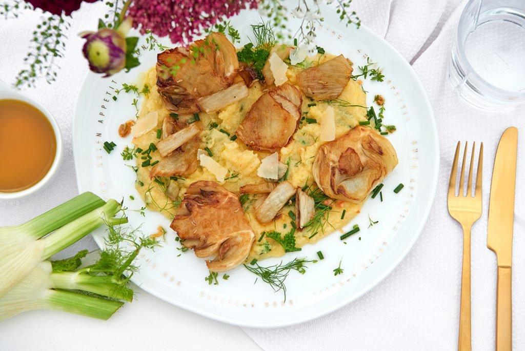 karamellisierter-fenchel-auf-kräuter-polenta-Foto: Maike Helbig-fuer-www.myotherstories.de