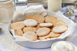 mandel-butter-plaetzchen-mit-amaretto-und-vanillestaub-foto: maike helbig-fuer-bettina-bergwelt-www.myotherstories.de