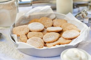 Mandel-Butter-Plätzchen mit Amaretto und Vanillestaub