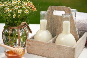 Natürliche Hautpflege aus der Küche – Milchbad mit Honig und Vanilleöl