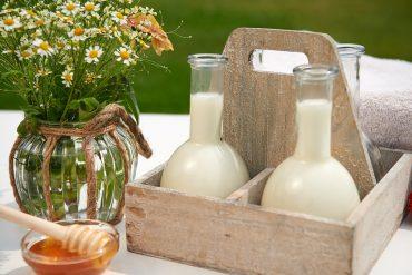 milchbad-mit-honig-und-vanilleöl-foto-maike-helbig-fuer-www.myotherstories.de