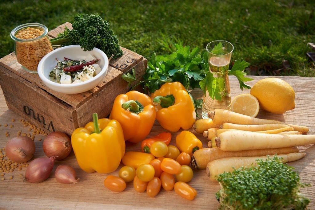 zutaten-fuer-gelbe-gemuese-suppe-foto-maike-helbig-www.myotherstories.de