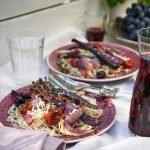 pasta-geroestetem-gemuese-mit-schafskaese-oliven-und-tomaten-foto-maike-helbig-www.myotherstories.de