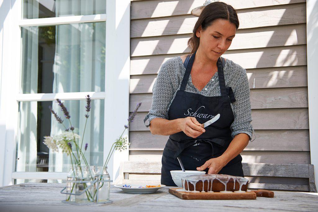 zucchini-kuchen-vom-bio-imker-honigsuess-und-super-saftig-foto-maike-helbig-fuer-www.myotherstories.de