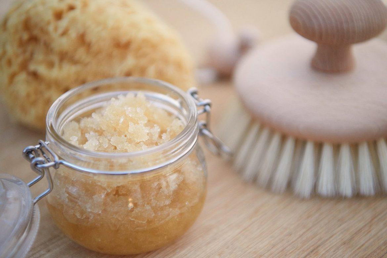 vanille-sugar-scrub-pflege-peeling-fuer-super-weiche-haende-foto-maike-helbig-fuer-bettina-bergwelt-www.myotherstories.de